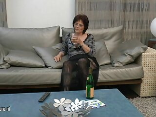 Morena angelical dispone de su anal xxx gratis pelicula