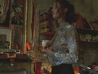 Molodka inflada en la habitación del hotel para la peliculas xxx hd gratis reina del baile