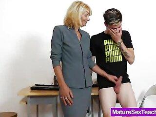 La chica se masturba con dos peliculas xxx gratis para ver consoladores