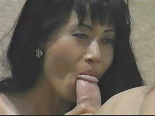 Trabajo películas pornográficas en español activo de una rubia en el baño con la boca