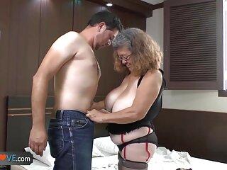 El chico se apoderó del cuerpo película de incestos de una sexy compañera de clase