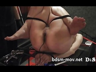 La jefa tetona Alena Croft y Summer Brielle peliculas videos porno gratis
