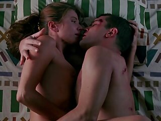 La profesora se folló al bebé con la pelicula porno completa italiana mano