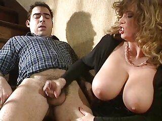 Diamond Foxxx es frito por un peliculas pornos italianas completas joven empleado en la mesa