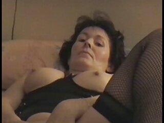 La tía corrompe al niño con incesto peliculas pornos online