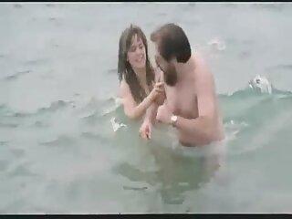 La niña satisfizo a su novio mientras peliculas gratis de sexo anal preparaba el desayuno.