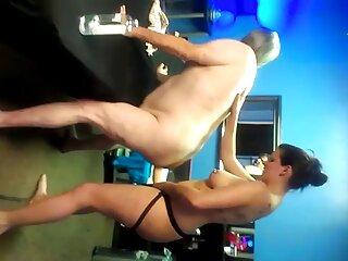 La invitada del hotel Dani se masturba ver peliculas completas porno gratis con sus amigos sexuales